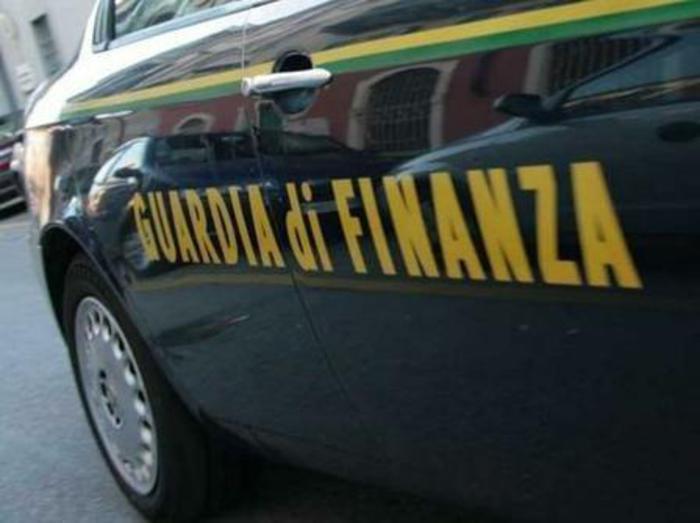 GdF di Trapani arresta due giovani di Marsala per vendita di Rolex contraffatti