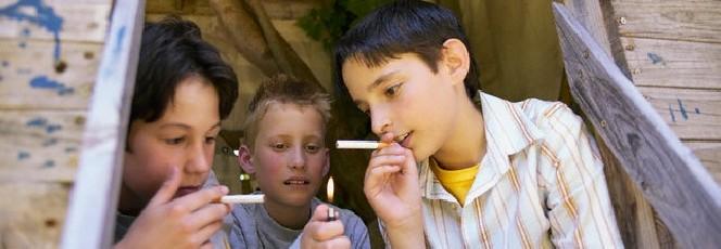 Giovani italiani fumatori record… e non solo tabacco