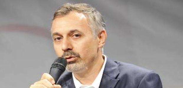 """""""La poesia è morta? W la poesia"""", martedì 27 settembre a Villa Piccolo un incontro  con Paolo Di Stefano"""