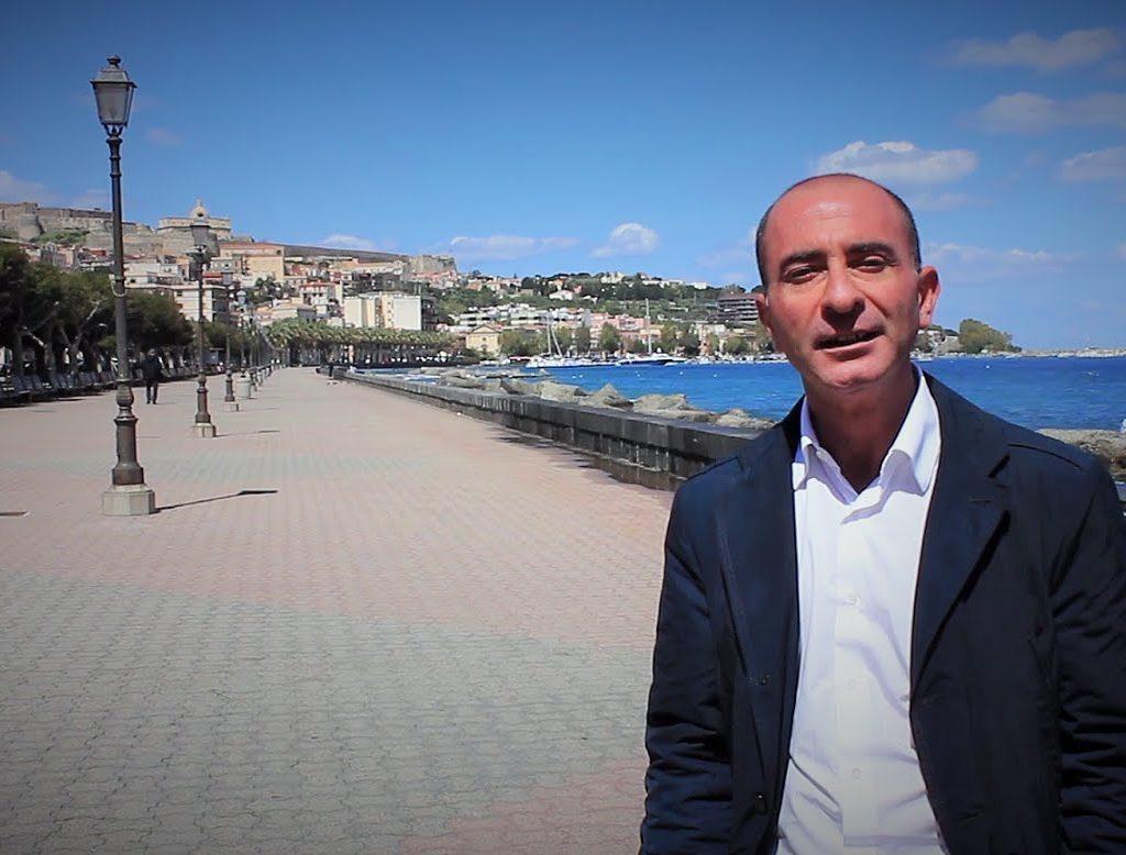 """La Lettera/ Torrente Mela, il sindaco mette i puntini sulle """"i"""""""