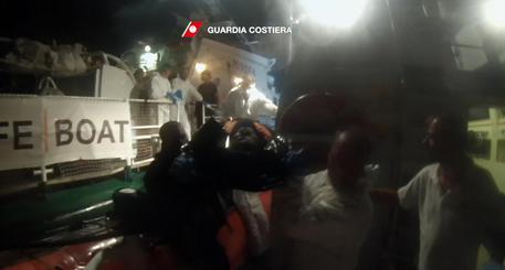 Migranti: Unhcr, 239 dispersi in due naufragi largo Libia