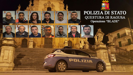 Droga: clan italo-albanese, 17 arresti