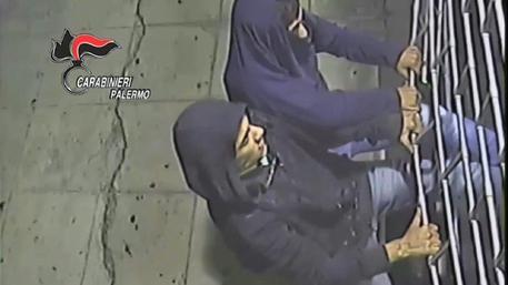 Arrestati i ladri che spaccano vetrine
