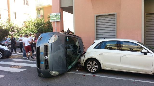 Falcone, incidente stradale, muore un uomo di 36 anni: illese quattro ragazze