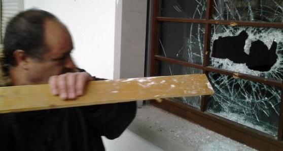 Carlentini, occupa casa mentre la proprietaria è in ospedale