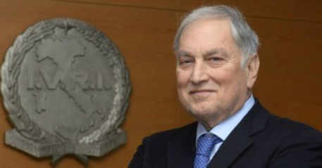 Basile, ex amante chiede 300 mila euro