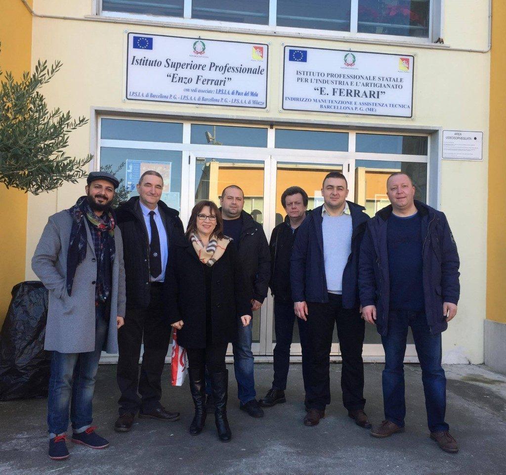 """Delegazione di docenti polacchi all'Istituto Superiore """"Enzo Ferrari"""" di Barcellona"""