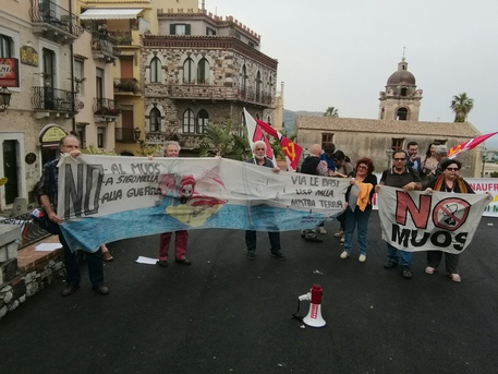G7: proteste a Taormina, anche 'No muos'