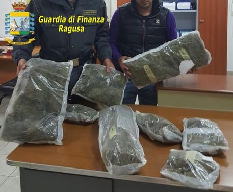 Gdf sequestra 8 kg marijuana a Pozzallo