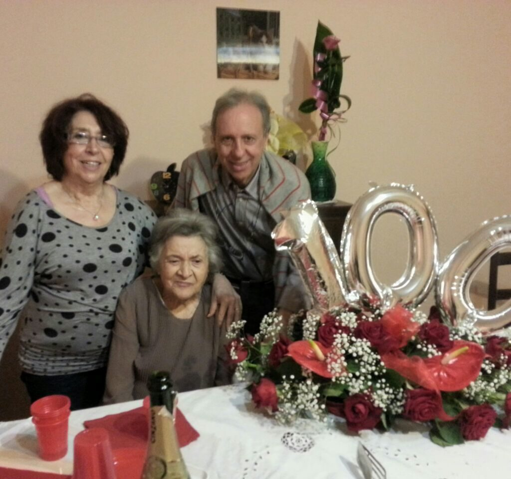 Grande festa a San Filippo per i 100 anni di nonna Carmela