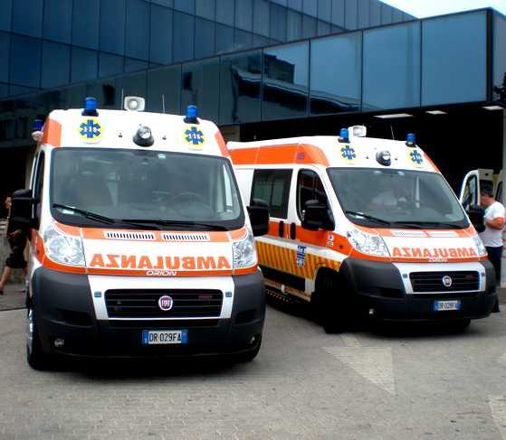 Barcellona/ Polizia stradale sequestra due ambulanze