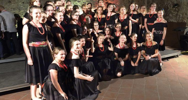 Il coro polacco Skowronki Girls' vince il Trofeo InCanto Mediterraneo 2017