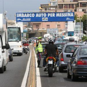 Due ore attesa a imbarchi per Sicilia
