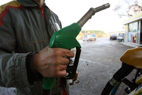 Truffa sul carburante, 11 indagati