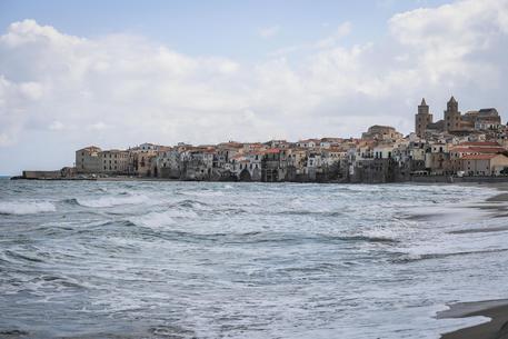 Verso stop erogazione acqua a Cefalù
