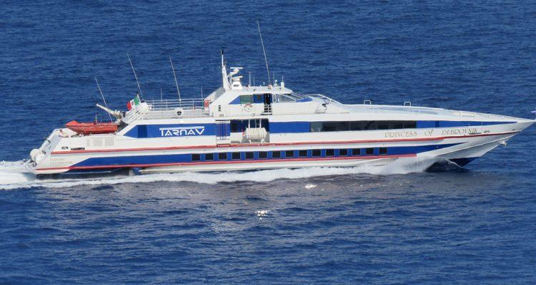 Da oggi corse veloci della Tarnav alle Eolie con la splendida Princess of Dubrovnik
