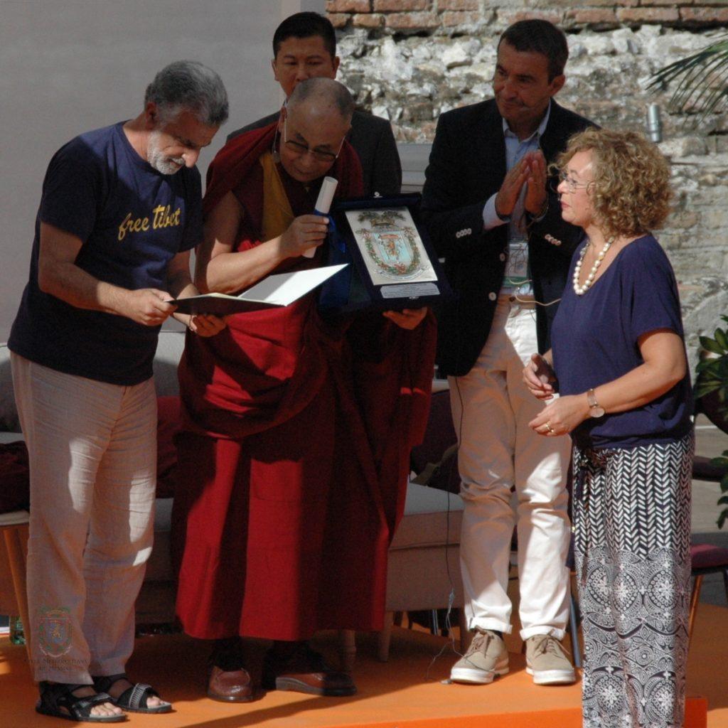 Il Dalai Lama e i temi universali dell'uomo e della pace tra i popoli al centro dell'incontro di Taormina