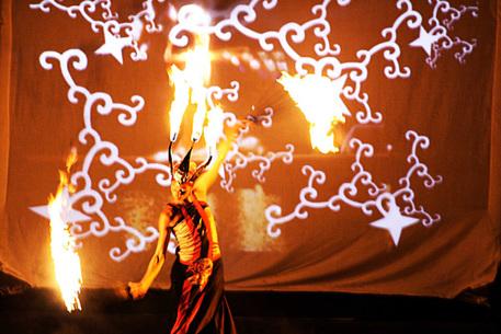 Teatro del fuoco torna sull'Etna per Notte europea vulcani
