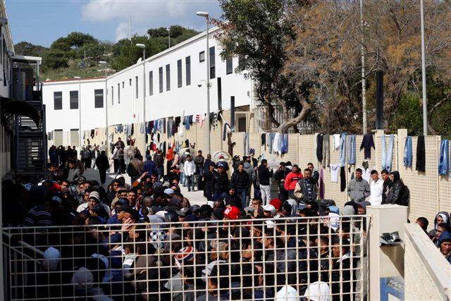 Tunisino ruba ciclomotore a Lampedusa