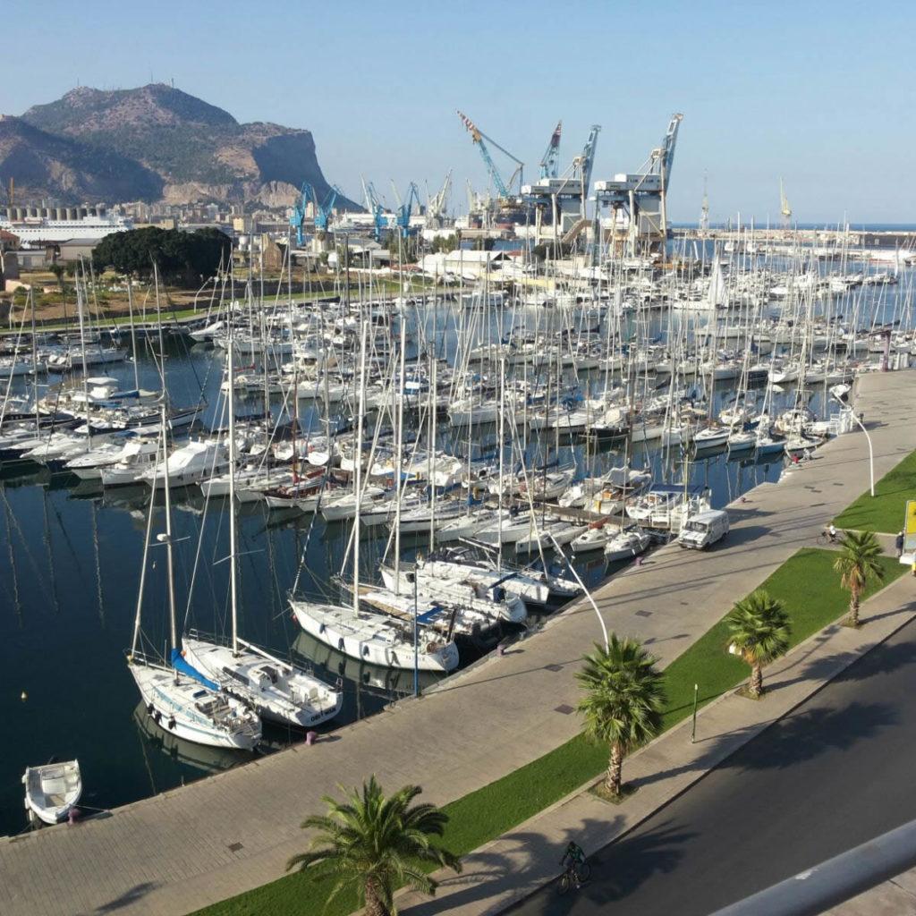 Benzina che odora di mafia per barche e yacht dei vip