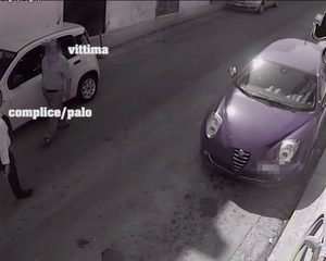 Truffavano anziani, 4 arresti