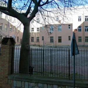 Dodicenne tenta il suicidio in classe a Cefalù. Caso di bullismo?