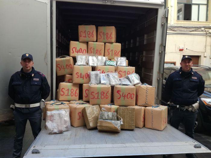 1.500 chili di droga sequestrati a Carini