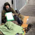 Biagio Conte in strada, protesta per senzacasa