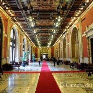 Un elettricista di Montecitorio guadagna più di un consigliere di Trump