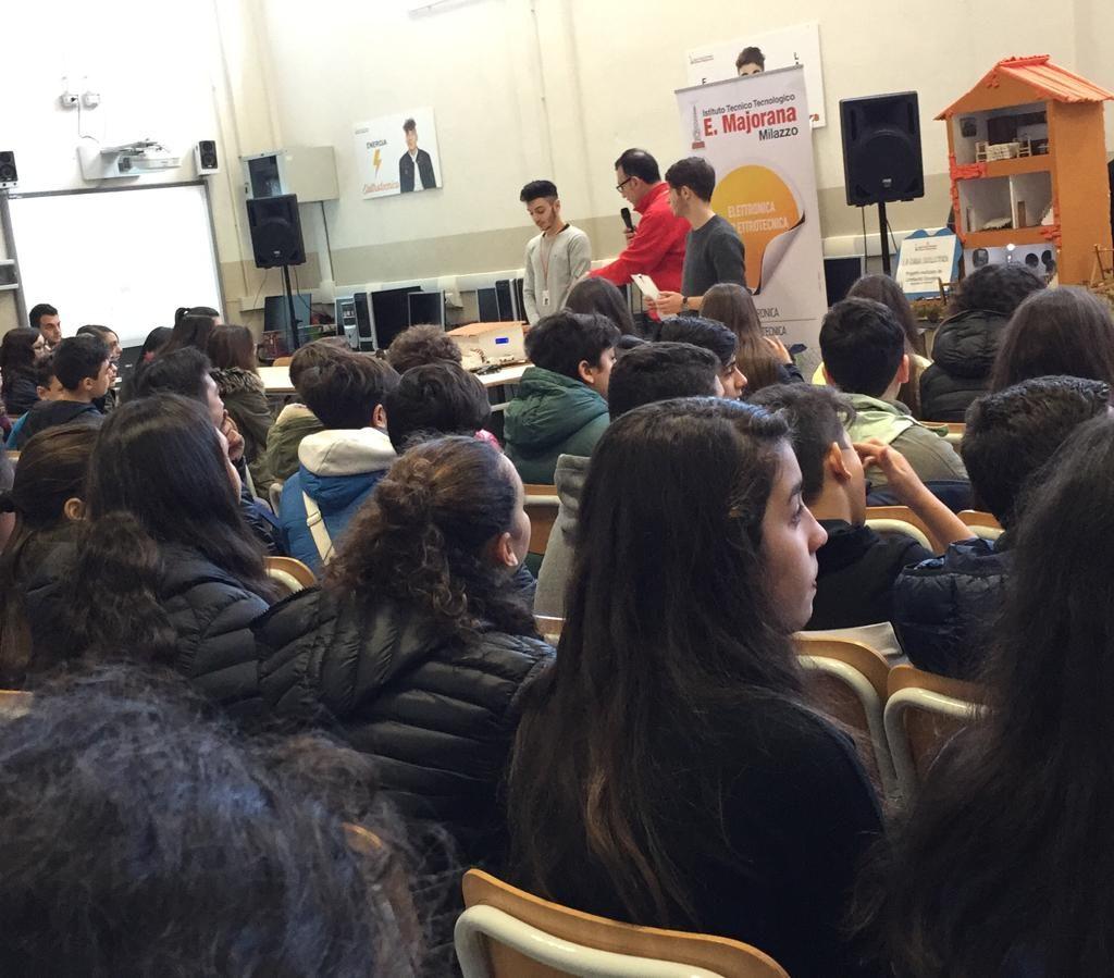 """Orient@giovani/ La carica dei 1200 al """"Majorana"""" di Milazzo"""