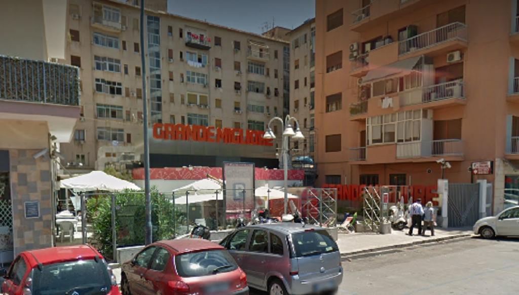 Store cinesi al posto di Grande Migliore a Palermo