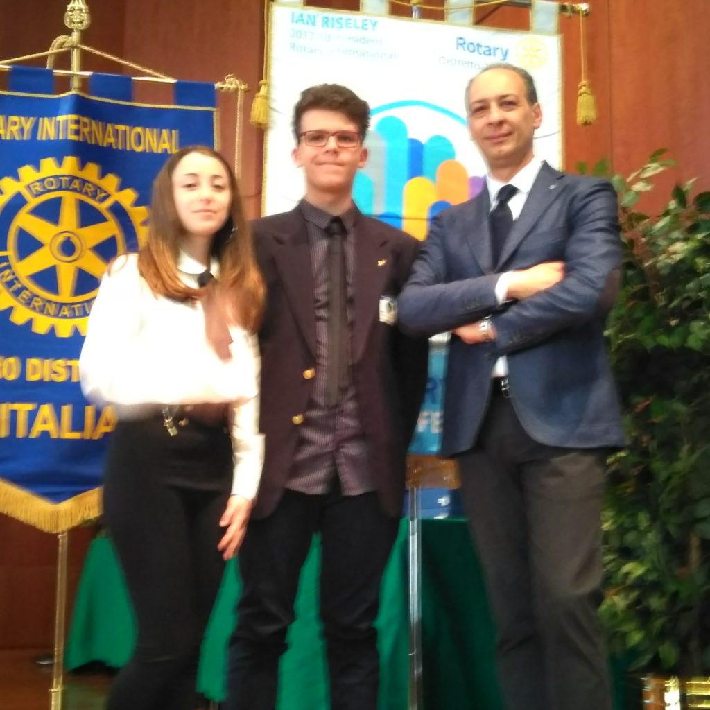 """Due ragazzi dell'Istituto Guttuso di Milazzo vincitori del concorso Rotary """"Legalità e Cultura dell'Etica 2017-18""""."""