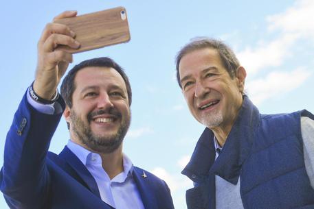 """Anche Musumeci al raduno di  Pontida. Salvini: """"I porti sono e, resteranno chiusi al traffico dei migranti"""""""