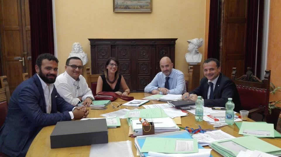 Ufficio Di Presidenza : Messina confronto tra il sindaco de luca e lufficio di presidenza