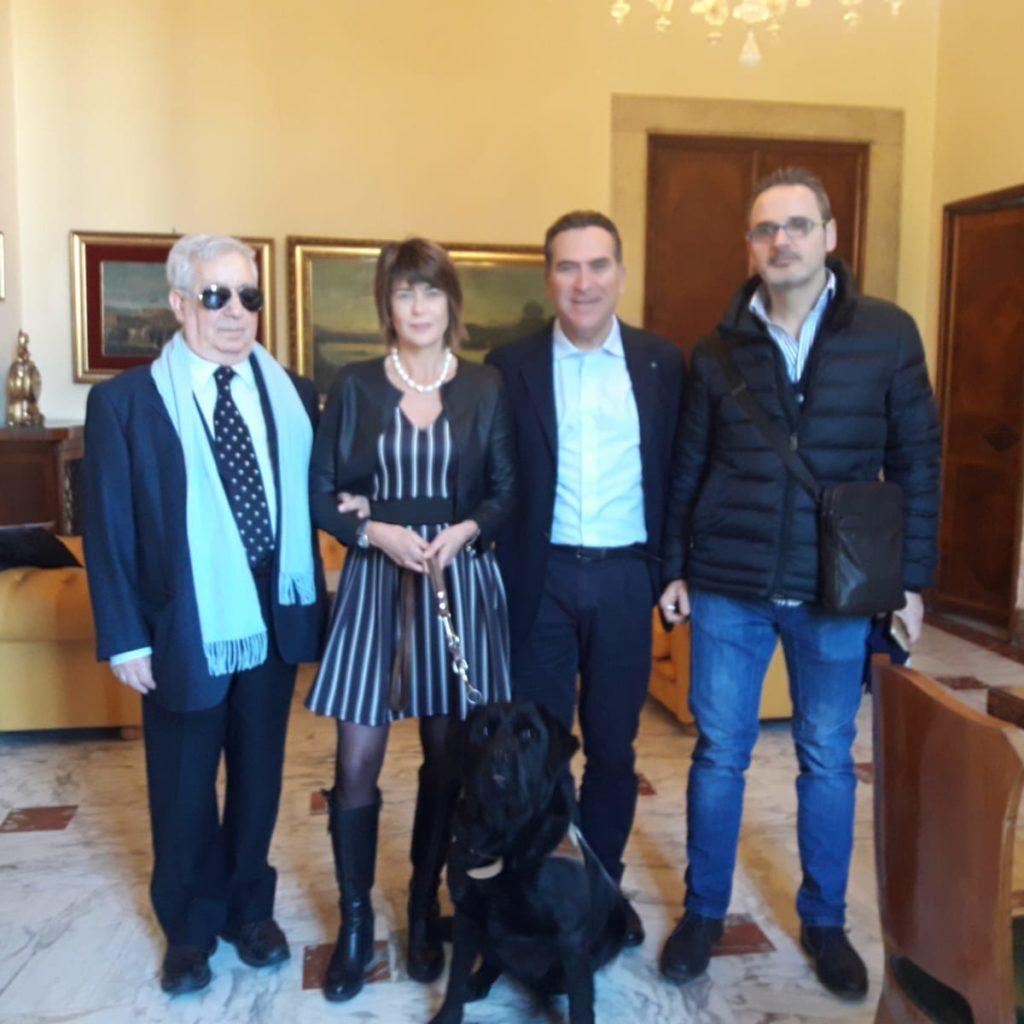 Messina/ Presentata al Palazzo camerale la vetrofania  per favorire l'inclusione sociale delle persone con disabilità sensoriale