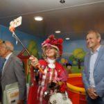 Zia Caterina inaugura l'area giochi sulla nave Elio di Caronte & Tourist