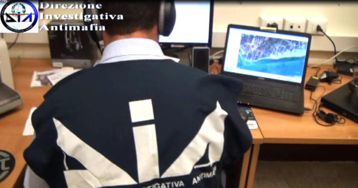 Carabinieri e DIA arrestano padre e figlio, noti imprenditori della zona nebroidea della provincia peloritana. Sequestrata impresa ed autovetture di lusso