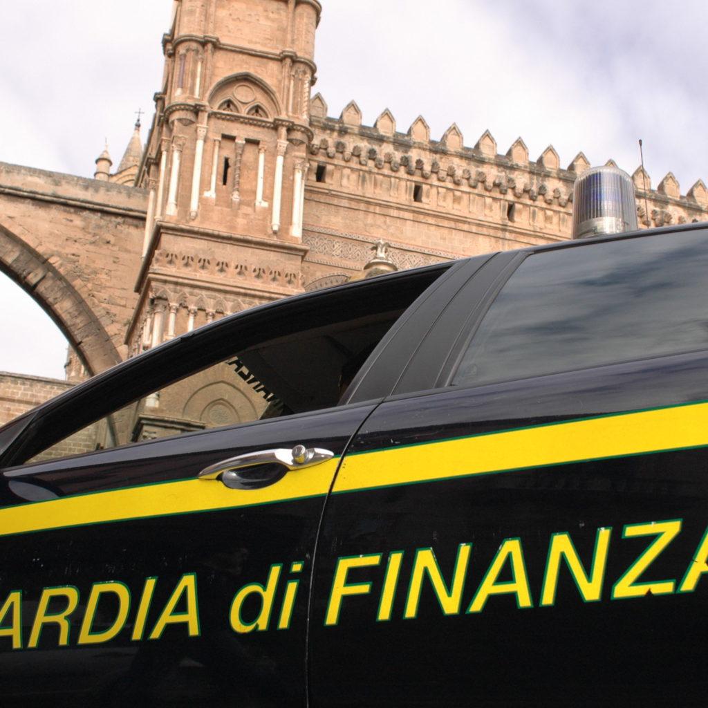 Palermo, Guardia di Finanza scopre falso cieco