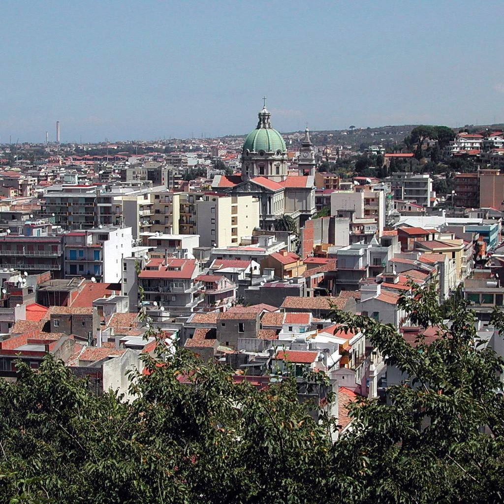 Barcellona, esplose due bombe carta in pieno centro