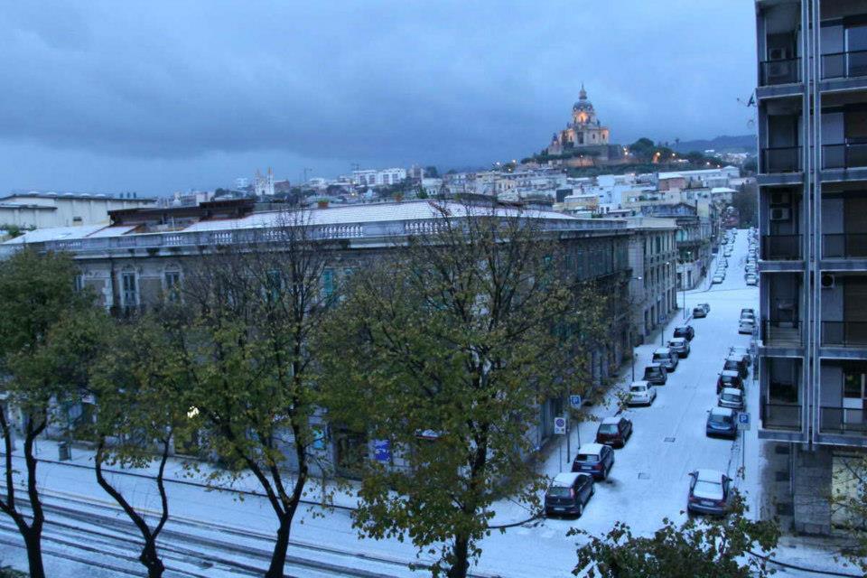 Continua a nevicare in Sicilia. Disagi nella provincia di Messina