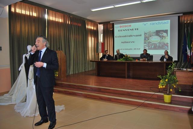 """""""Orient@giovani"""" a Milazzo, il successo di partecipanti premia l'intuizione del preside Vadalà"""