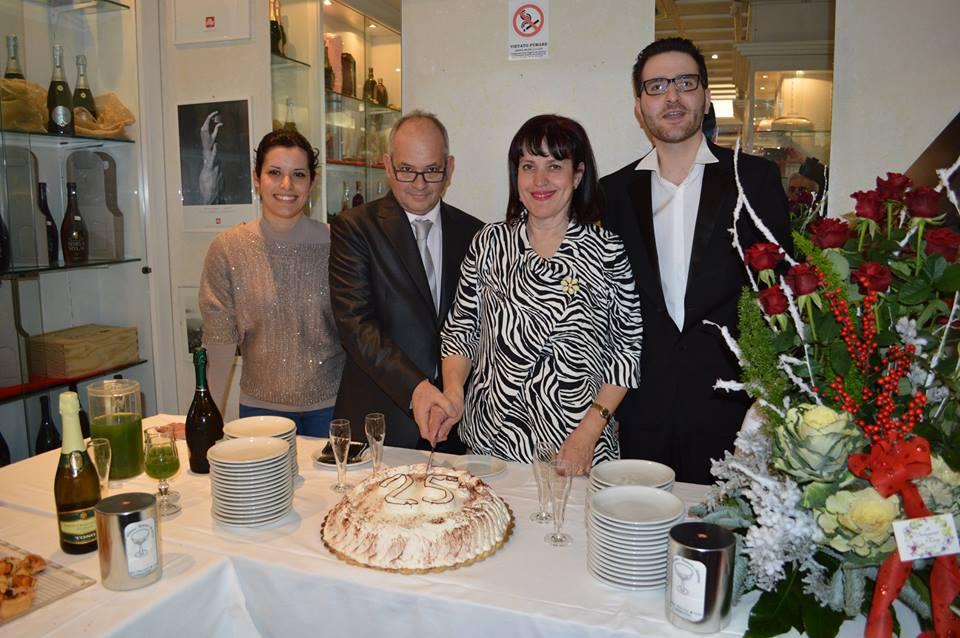 Alexander bar di Milazzo festeggia i suoi primi 25 anni