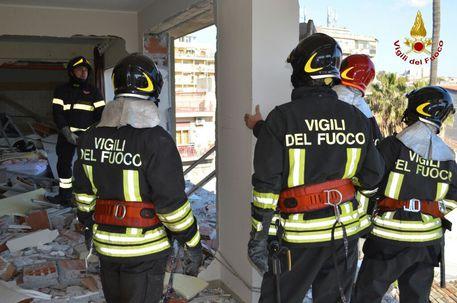 Esplosione in palazzo Catania, 3 feriti