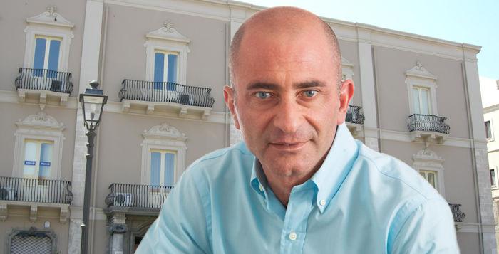 """Appello del sindaco: """"Fermiamo gli spostamenti da e per Messina"""" a tutela di Milazzo"""