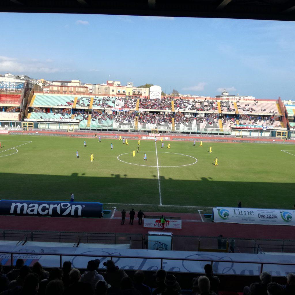 """Catania pareggia 0-0 al """"Massimino"""" Contro il Taranto"""