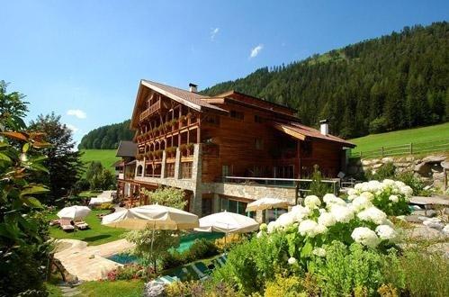 Turismo/ Personale siciliano per le strutture dell'Alto Adige