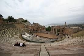 "Il 14 giugno Sgarbi a Taormina per ""I cenacoli taorminesi"""