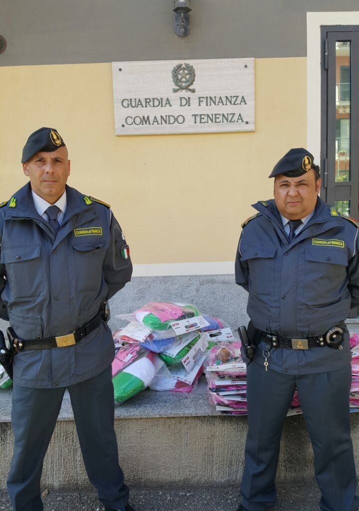 S. Agata Militello (Me): sequestrati 4500 gadget del Giro d'Italia.