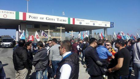 In Calabria sciolti 3 Comuni per mafia tra cui Gioia Tauro