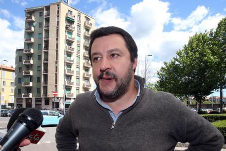 Matteo Salvini dorme al Cara di Mineo